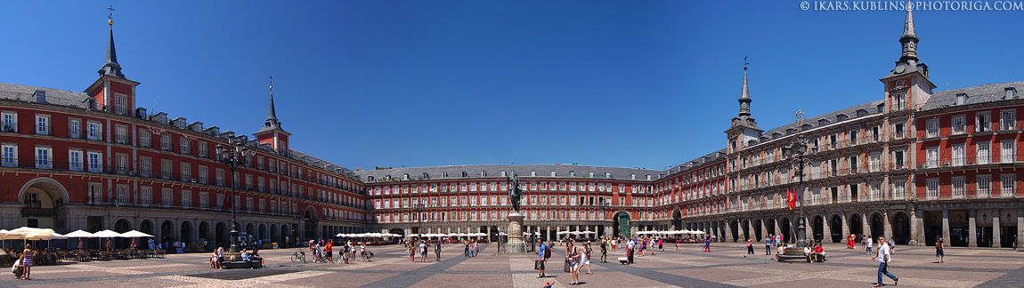 Madrid Old Town central square - Plaza de Mayor in sunny day