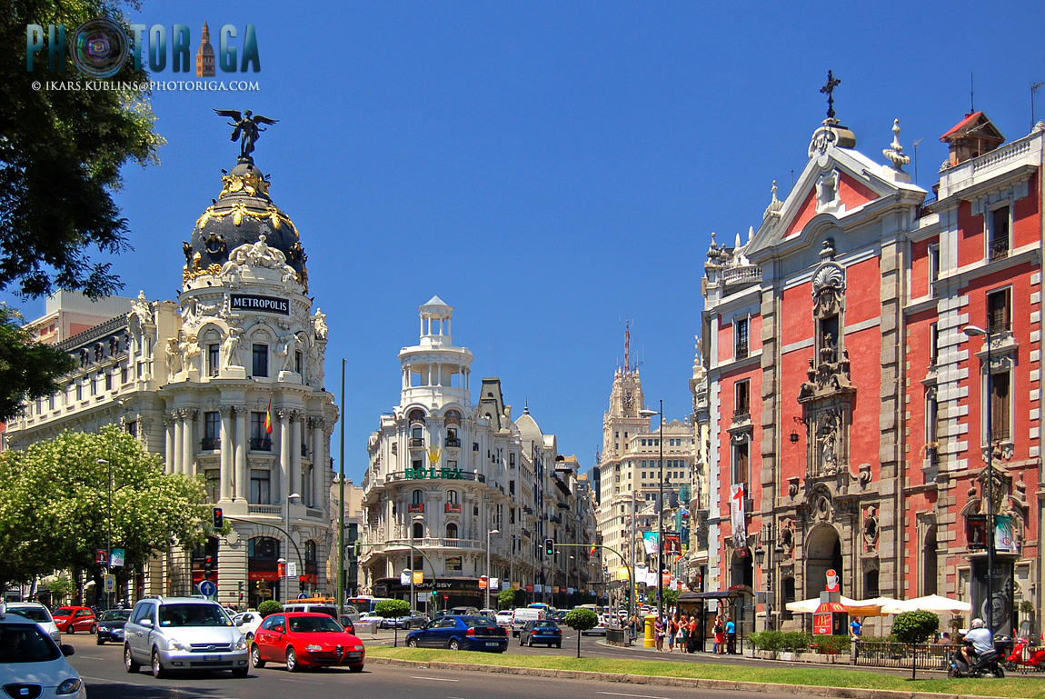 Junction of Gran Via and Calle de Alcala